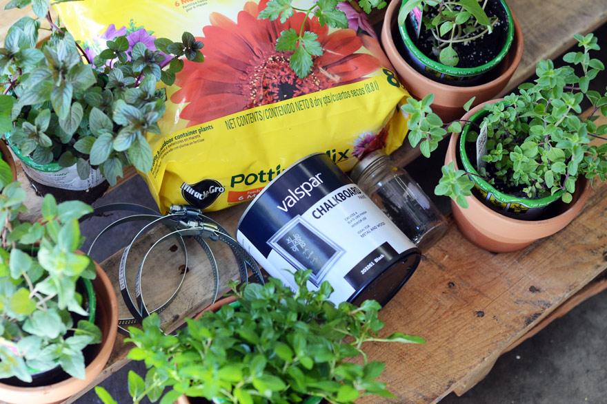 materials for pallet garden